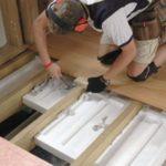 Нужно ли утеплять потолок со стороны чердака в частном доме и как это сделать?