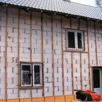 Нужно ли утеплять дом из пеноблоков