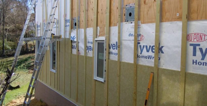 Нюансы работы с минватой при выполнении теплоизоляции наружных стен дома под сайдинг